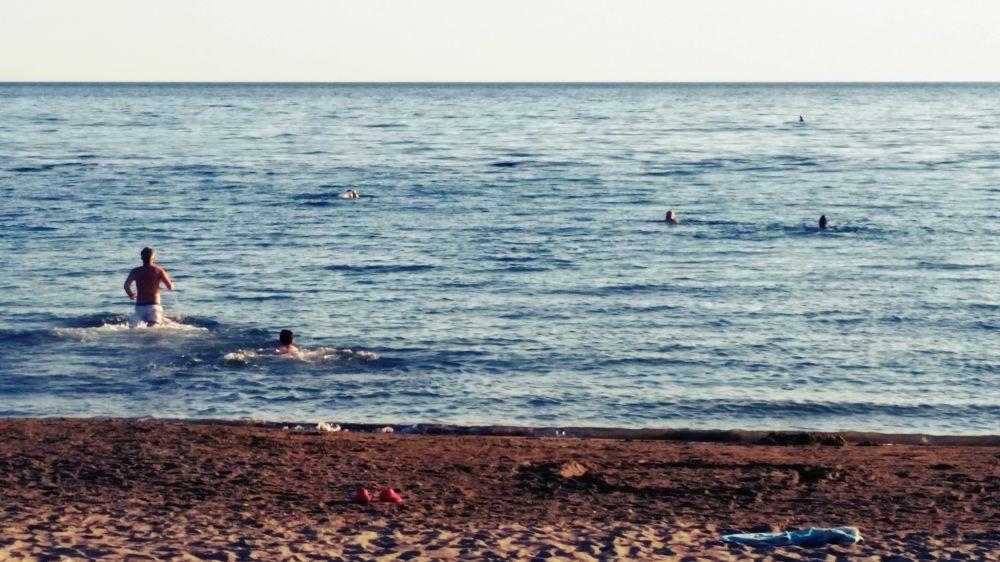Bagno in mare a fine torneo, col Phelps di casa nostra, Mauro Pucci, che stacca tutti
